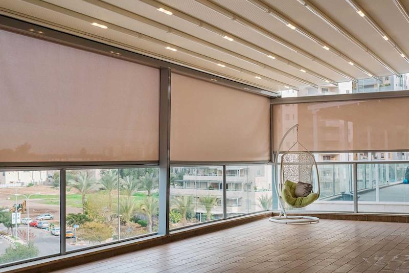דוגמא למרפסת סגורה הכוללת תוספות
