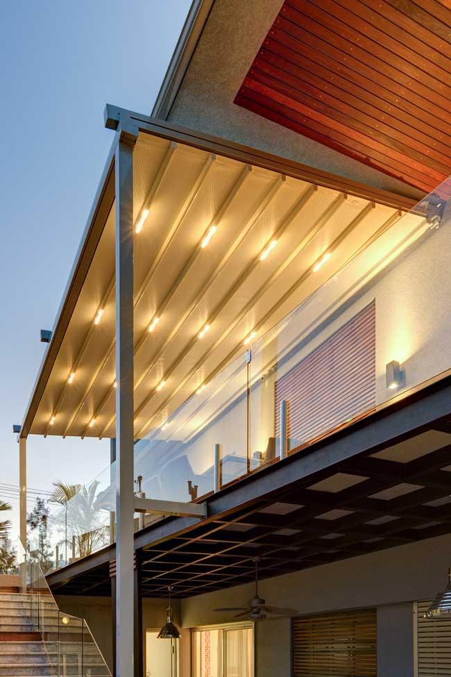 פרגולות אלומיניום למרפסת עם תאורה